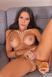 Jessica Moy