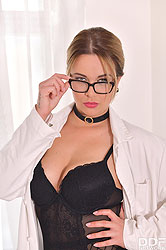 Nikky Dream in 'The Anal Probing Clinic'
