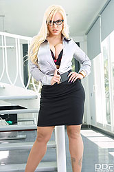 Blondie Fesser in 'Busty Office Sexperience'