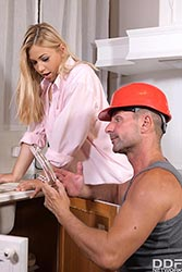 Selvaggia in 'Anal Plumbing Inspection'