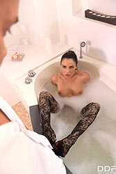 Inna Innaki in 'Sensual Footjobs in Tub & Sauna'