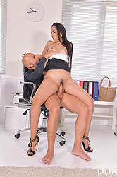 Andreina De Luxe in 'Anal Fuck During Office Hours'