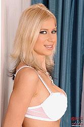 Anastasia De Vine