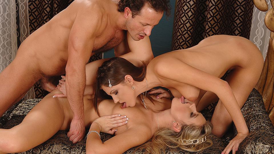 Секс В Троем Смотреть Онлайн