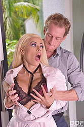 Luna Star in 'Blondie Loves To Cum'