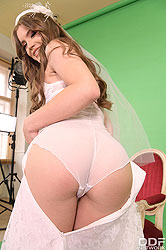 Evelina Darling in 'Bride Rides Photographer's Big Dick'